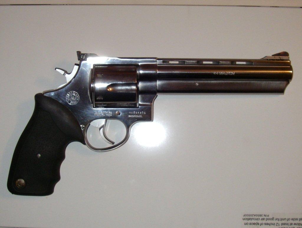 44-magnum-1628 j....44 Magnum